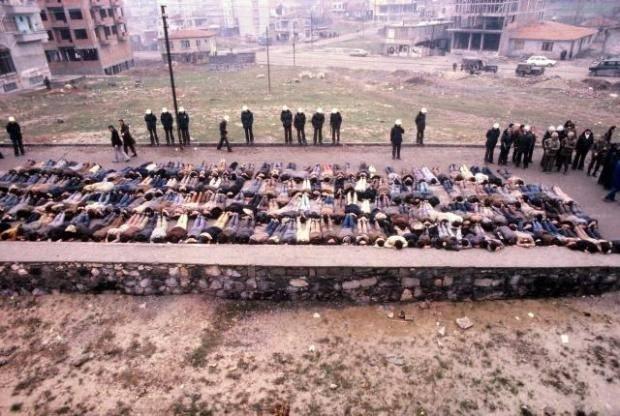 Darbe yönetimi döneminde 650 bin kişi gözaltına alındı.