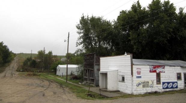 Buford kenti, 2012 yılında Vietnamlı bir iş adamı satın alınarak PhinDeli ismini alırken Sammons kentin eşbaşkanı olarak hayatına devam etti.