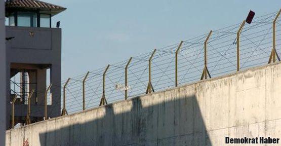 11 tutuklu feci şekilde dövüldü