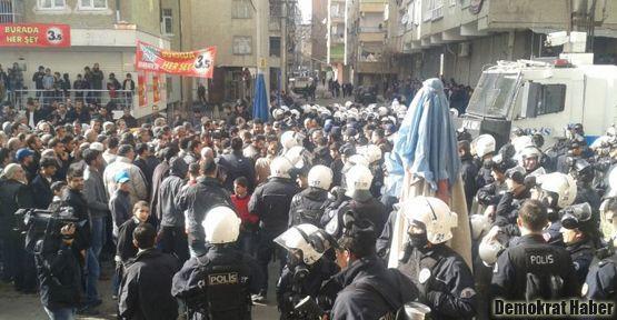 15 Şubat protestosunda iki çocuk yaralandı