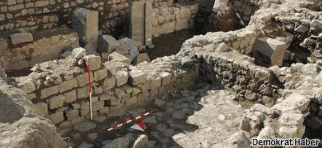 1600 yıllık kilise üzerine türbe yapıldı!