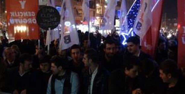 16 yaşındaki öğrencinin tutuklanması Kadıköy'de protesto edildi