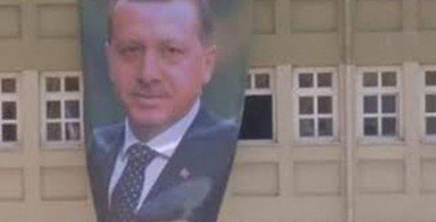 Erdoğan posterinin okula asılmasını eleştiren öğrencilere tehdit gibi uyarı