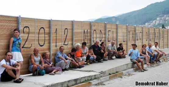 '2012 Model Utanç Duvarı'