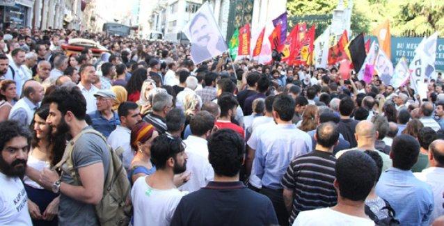 Binlerce kişi Kobani için Taksim'deydi: 'Katil IŞİD, işbirlikçi AKP!'