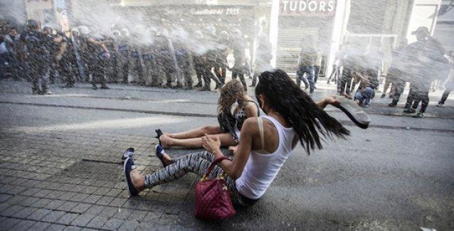 Önce saldırı, sonra açıklama: Valilik Onur Yürüyüşü'ne saldırı için 'orantılı' dedi