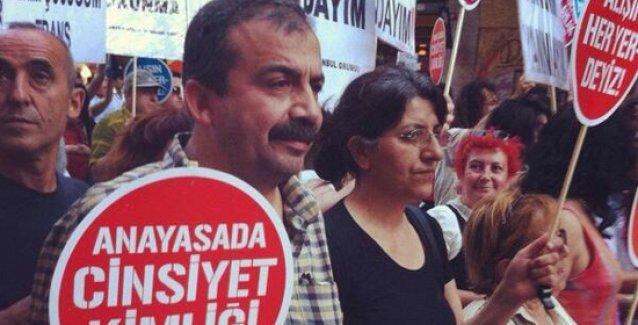 Sırrı Süreyya'dan Onur Yürüyüşü'ne saldırı ile ilgili açıklama