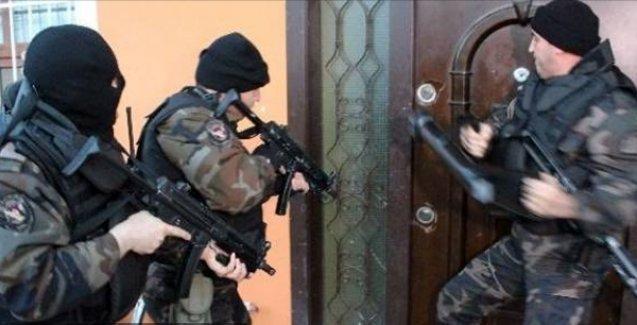 Ağrı'da özel tim polisleri bir evi taradı: 3 ölü