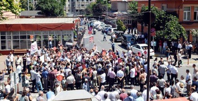Alevi hastaya hakaret eden doktor protesto edildi