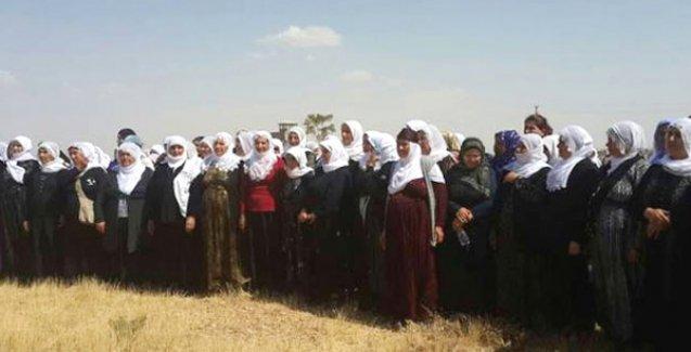 Barış Anneleri Kobani'ye geçemedi, bayramı sınırda kutladı