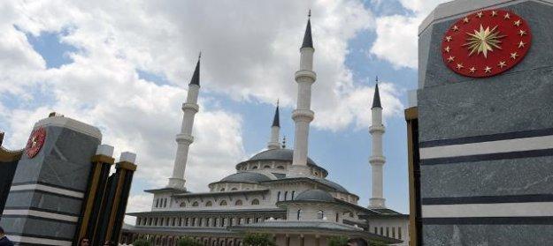 Beştepe Millet Camii'ne İhsan Eliaçık'tan ağır eleştiri