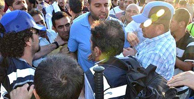 Bursa'da Öcalan için yürüyüş yapmak isteyen HDP'lilere müdahale