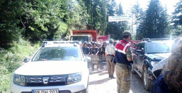 Cerattepe'de jandarma halkın önünü kesti