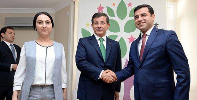 Demirtaş'tan AKP'ye: Seçim kararı almadan partilere mutlaka tekrar danışın