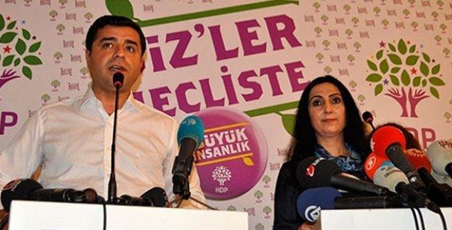 Demirtaş'tan Davutoğlu'na: Siz Dolmabahçe'ye sahip çıkamazken yeni bir deklarasyonun anlamı yok!