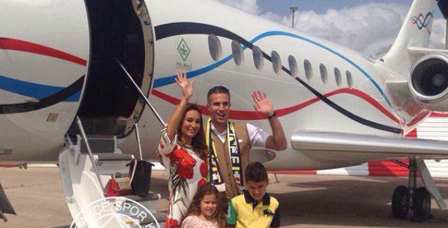 Fenerbahçe'nin yeni transferi Van Persie İstanbul'da