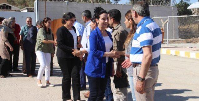 HDP heyeti, Rojava Devrimi'nin yıldönümünde Kobani'yi ziyaret etti