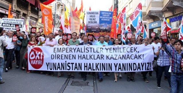 İstanbul'da Yunanistan ile dayanışma eylemi: 'Diren Syriza, İstanbul seninle'