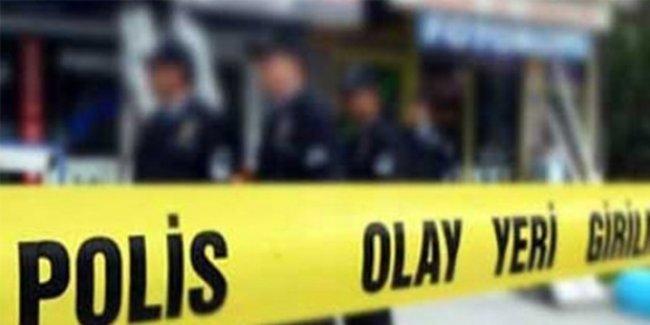 İzmir'de AKP İlçe Başkanlığı binasına ses bombalı saldırı