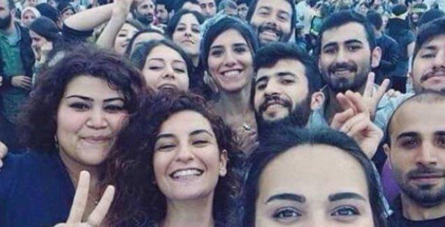 Suruç'ta ölenlerin ailelerinden Erdoğan ve Davutoğlu hakkında suç duyurusu