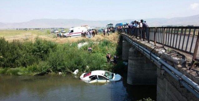 Otomobil nehre uçtu, aynı aileden 6 kişi hayatını kaybetti
