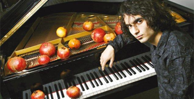 Piyanist Hamasyan: Atalarımın memleketi Kars'ta tehdit edilmek çok üzücü