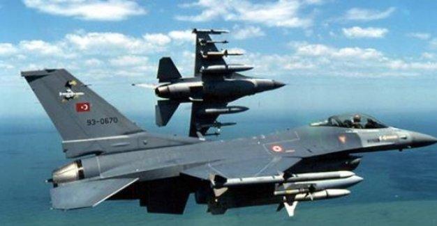 Savaş uçakları Haftanin'i bombaladı