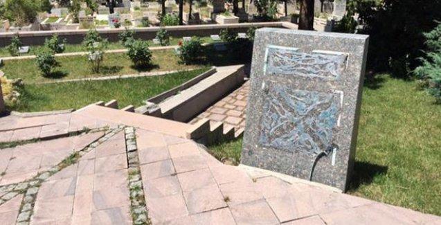Sivas katliamı anısına yapılan anıt mezara saldırı