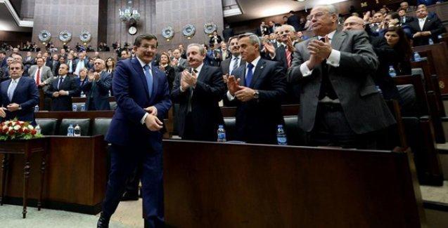 Star gazetesi: 'AKP erken seçim için imzaları hazırladı'