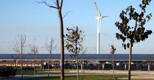 Türkiye'nin en büyük hibrit enerji santrali kuruldu