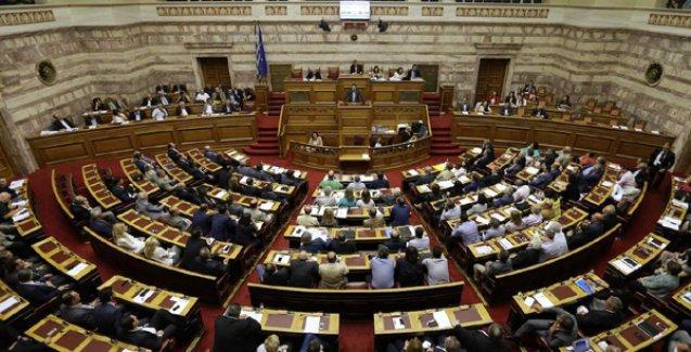 Yunanistan parlamentosu reform tekliflerini kabul etti
