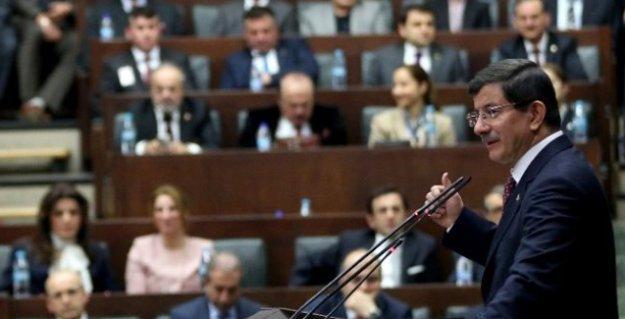 AKP'de üç döneme takılan 70 isimden sadece 10-15'ine vekillik vizesi verilecek