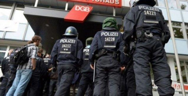 Alman ve Türk kamuouyunun merakla beklediği casusluk davası başlıyor