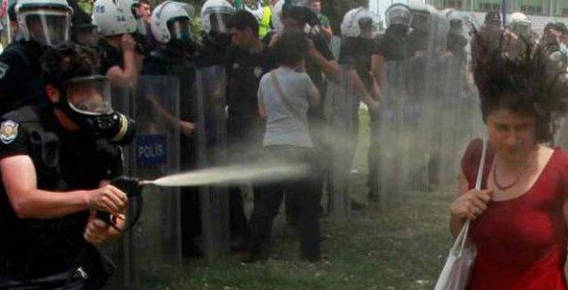 Artık her polis göz yaşartıcı gaz sıkabilecek!
