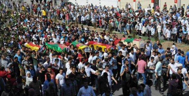 Cizre'de polisin öldürdüğü ikisi çocuk dört sivil son yolculuğuna uğurlandı