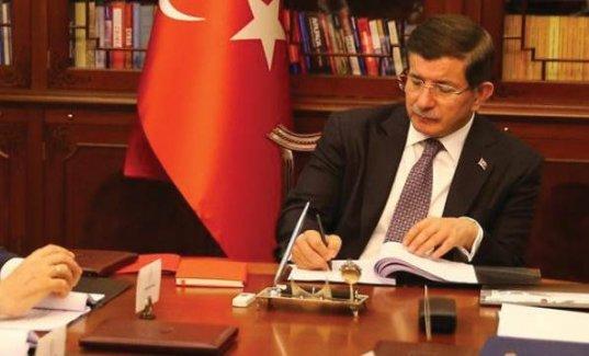 Davutoğlu'nun masasındaki son anket: AKP'nin oyu yüzde 43.4; HDP'nin yüzde 13'lük oyu değişmedi