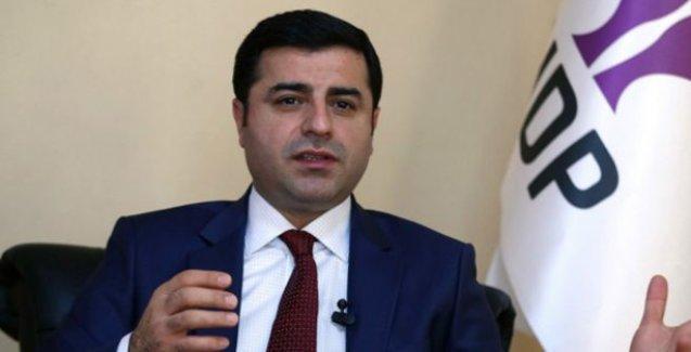 Demirtaş: Davutoğlu koalisyon denemek istiyor fakat Erdoğan izin vermiyor