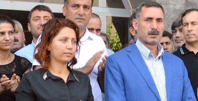 Diyarbakır Sur ve Silvan belediye eş başkanları tutuklandı