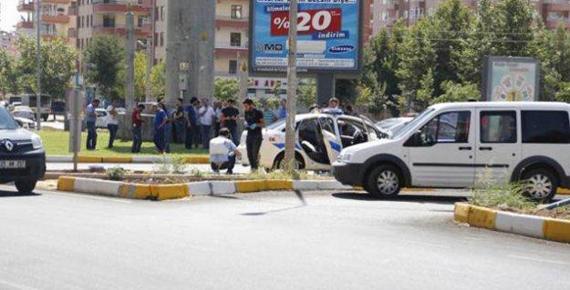 Diyarbakır'da polise saldırı: Bir polis hayatını kaybetti, bir polis yaralandı