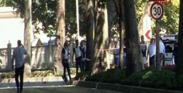 Dolmabahçe'de polislere silahlı saldırı