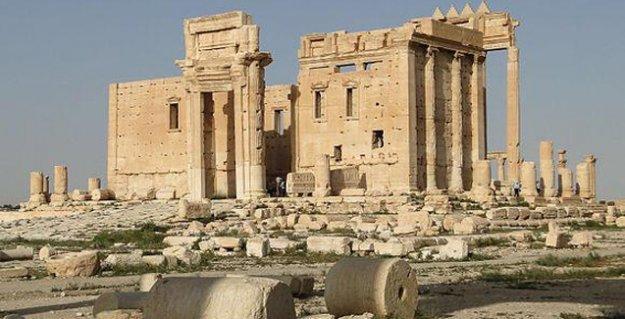 IŞİD, Palmira'daki bir tapınağı daha havaya uçurdu