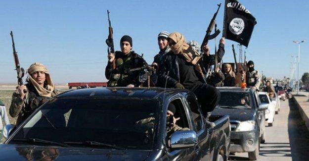 IŞİD Süryani kasabası Karyatayn'a girdi