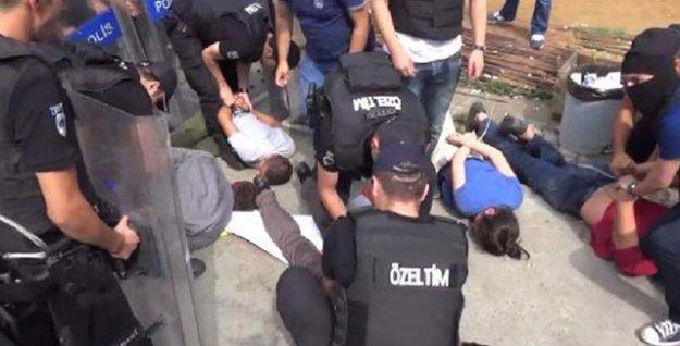 Konsolosluğa saldıran Hatice Aşık'ın kaldırıldığı hastane önünde eylem: 8 gözaltı