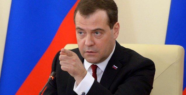 Medvedev: Türkiye'nin Irak'a yönelik saldırılarının meşruiyeti kuşkulu