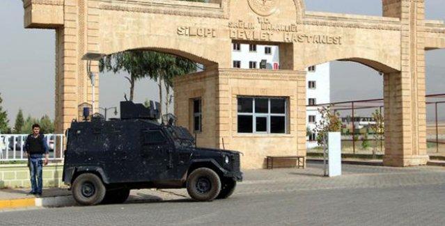 Silopi'de görevli doktor: 'Polis hastanede ateş açtı, başıma silah dayadı'