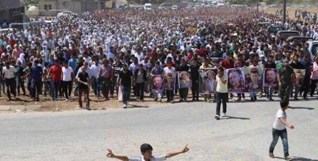 Silopi'de yaşamını yitirenleri binlerce kişi son yolculuğuna uğurladı