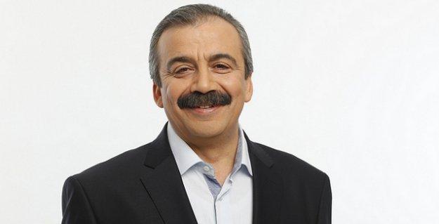 Sırrı Süreyya: İki aydır fiili bir AKP-MHP koalisyonu var