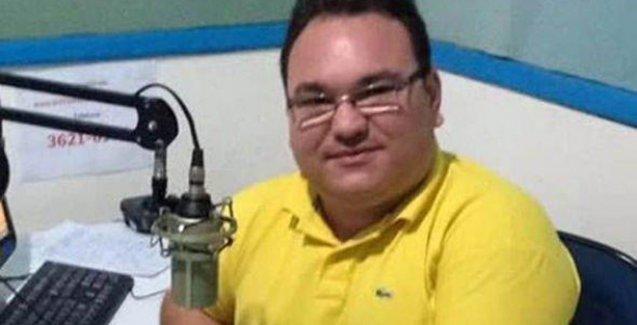 Siyasetçilerin karıştığı rüşvet olaylarını açıklayan gazeteciyi canlı yayında öldürdüler