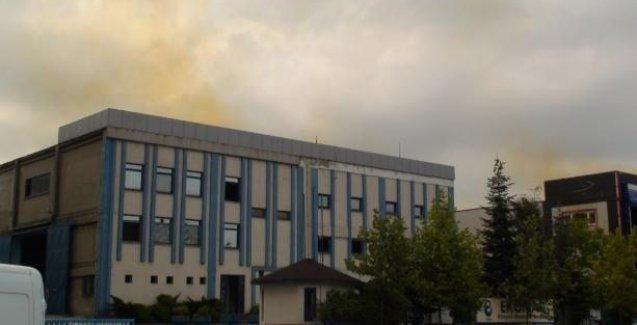 Tuzla'da asit deposu patladı, fabrikalar boşaltılıyor