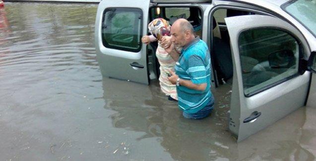 Yağış, kapalı yollar ve İstanbul